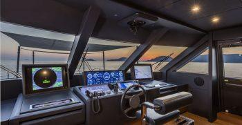 Custom Line Navetta 33 Upper Deck