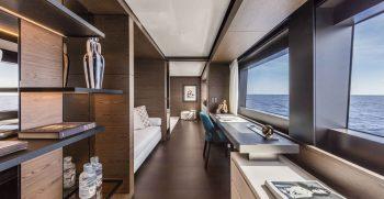Custom Line Navetta 42 Upper Deck
