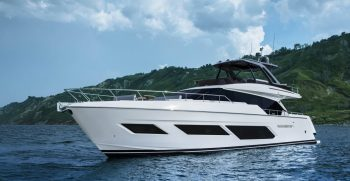 Ferretti Yachts 720 Cruising