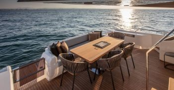 Ferretti Yachts 720 Ponte