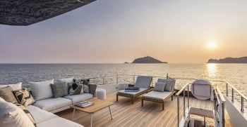 Ferretti Yachts 920 Sun Deck